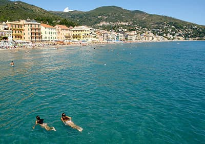 Zwemmen in Ligurië – ontspan en zwem in het helderblauwe en schone water
