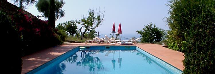 Een exclusieve vakantie huis met een prachtig zwembad voor het hele gezin in Ligurië