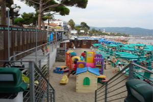 Bagni Lino *** Stranden in Ligurië