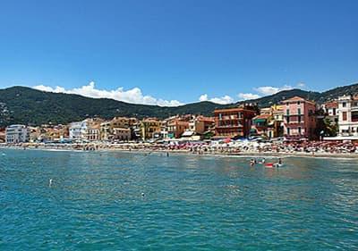 Uitzicht op Alassio in de provincie Savona