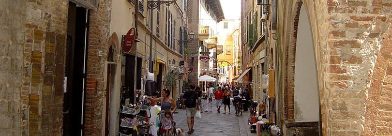 Oude stad van Albenga in Ligurië