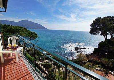 Uitzicht vanaf dependance Villa Royal - vakantiehuis aan zee