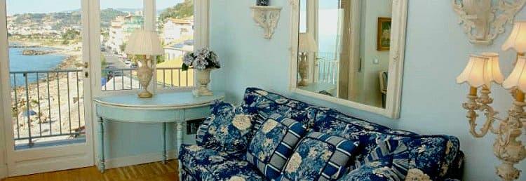 Vakantiehuis direct aan zee in Ligurië, met een prachtig uitzicht op zee