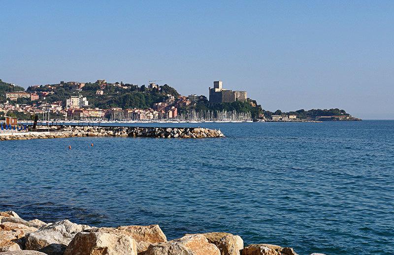 Een prachtig uitzicht op de zee in Lerici