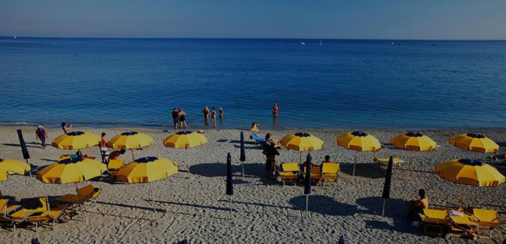 Met de zee en bergen kunt u een gevarieerd landschap verwachten in Ligurië