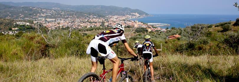 Mountainbikers in Ligurië