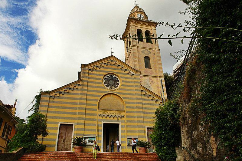 Een oude kerk in Portofino