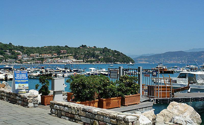 De prachtige haven van Portovenere