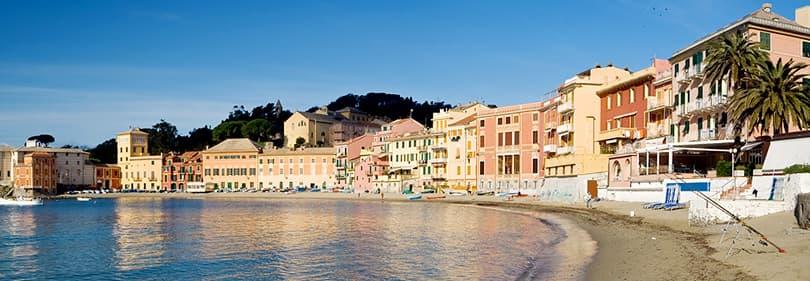 Strand in Sestri Levante, Ligurië, Italië