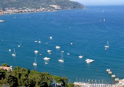 Zeilen in Diano Marina, Ligurië