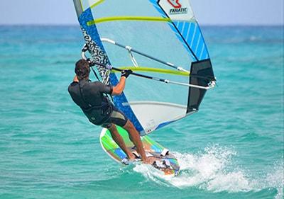 Windsurfen in Ligurië
