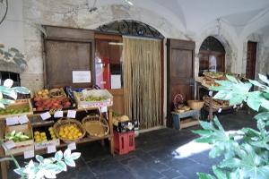 Zuccarello Kruidenierswinkel in Ligurië