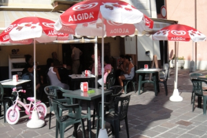 Cafe am Piazza Gugiliemo Marconi Cafes in Ligurië