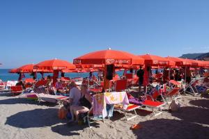 Blue Bay Beach Bar Stranden in Ligurië