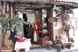 La bottega di Angelamaria Kruidenierswinkel in Ligurië