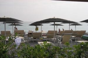 Grecale Beach Club Stranden in Ligurië