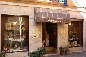 Alimentari F. Ui Parmiggiani Kruidenierswinkel in Ligurië