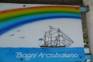 Bagni Acrobaleno Stranden in Ligurië