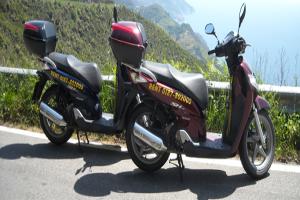 Paddok rent scooter Scooter verhuur in Ligurië