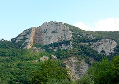 Een berg in Ligurië, Italië