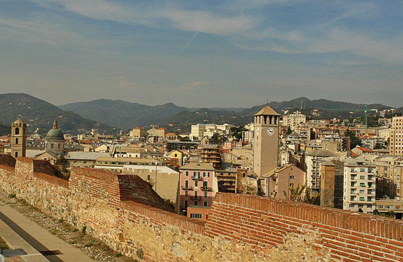Een mening van het kasteel Priamar in Savona