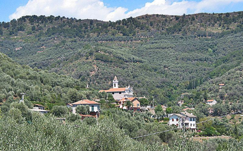 Een prachtig uitzicht op vakantiebestemming Moltedo in Ligurië