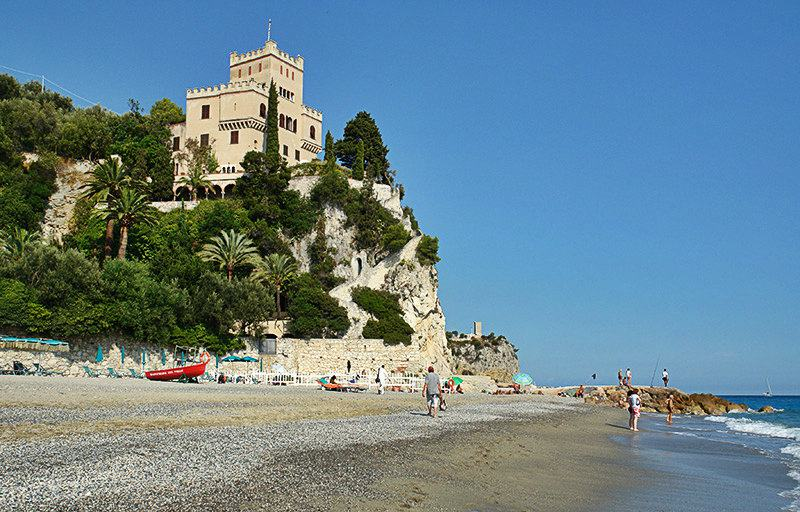 Een mening van Castel Gavone in Finale Ligure