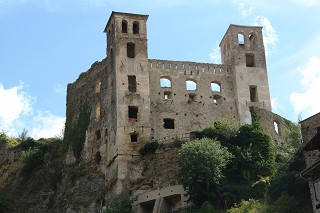 castle in liguria