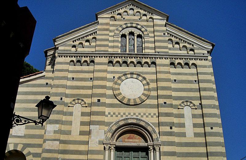 Een kerk in Celle Ligure