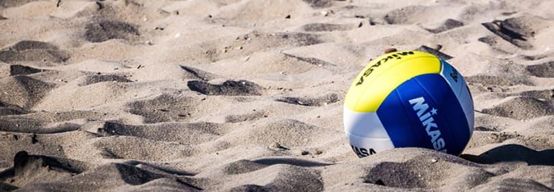Beach Volleybal op het strand van Ligurië, Italië