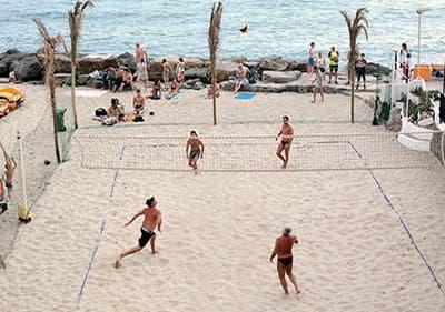 Het beste strand in Ligurië voor het spelen van volleybal