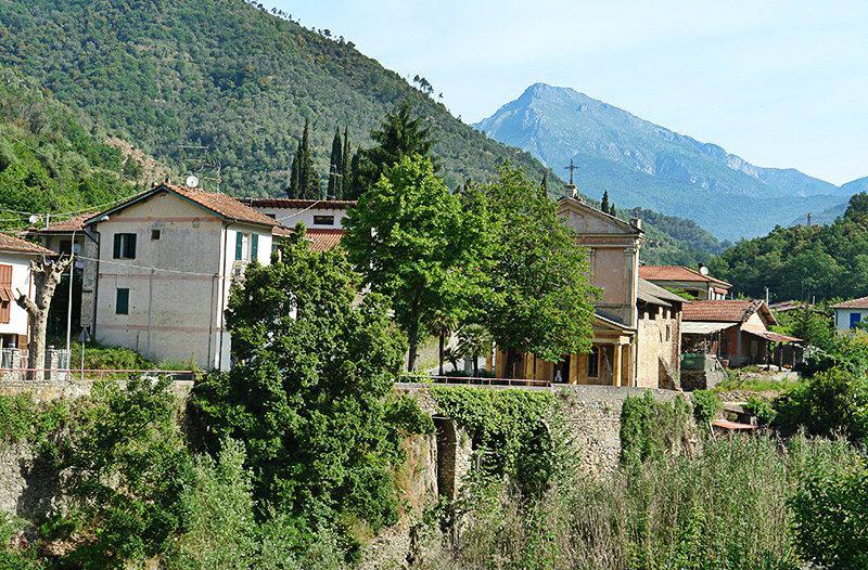 Een mening van een mooie vakantiebestemming Isolabona in Ligurië