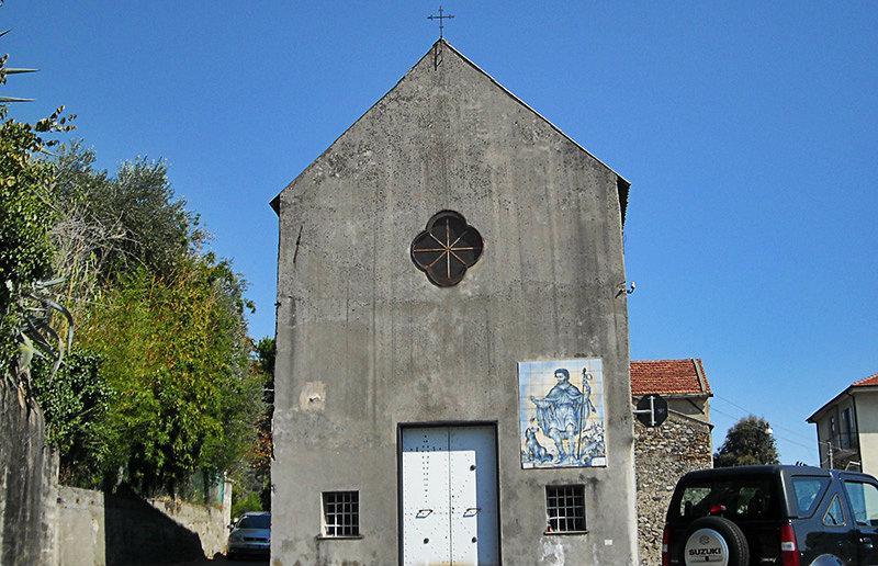 Een oude kerk in Celle Ligure
