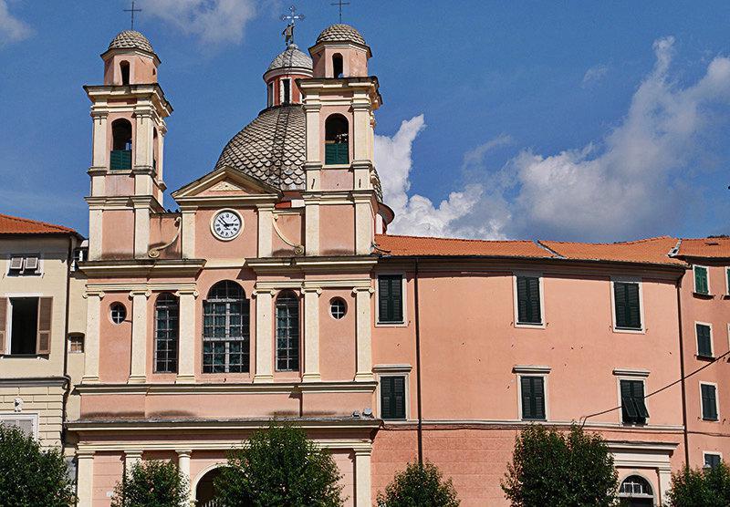 Kerk in Varese Ligure