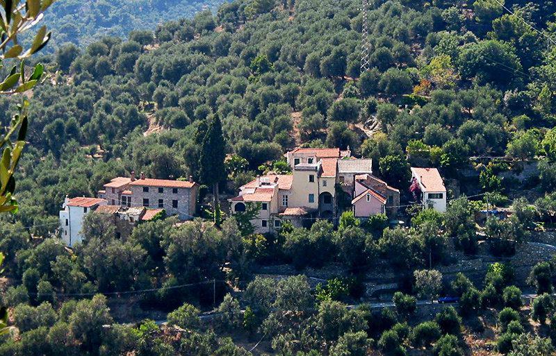 Mooi uitzicht op een vakantiebestemming Besta in Ligurië