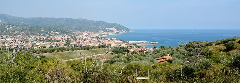 Bekijk aan Diano Marina van mountainbiken tour