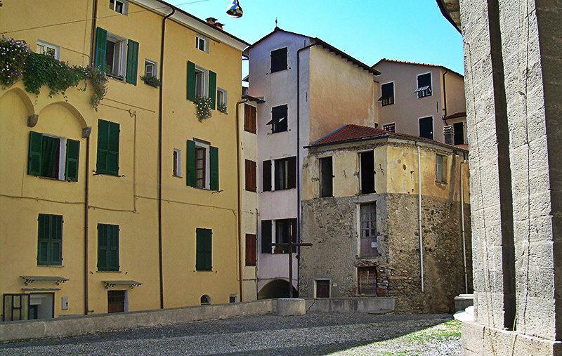 Piazza in Mendatica, Ligurië