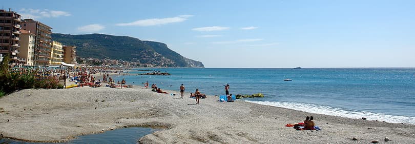 Strand in Pietra Ligure, Ligurie, Italie