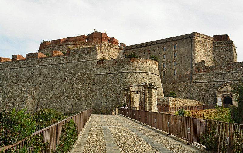 Een mening van Castello Priamar in Savona