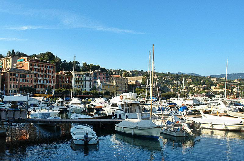 Een prachtig uitzicht van Santa Margherita Ligure en zijn haven