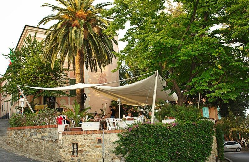 Een mening van een restaurant in Diano Castello