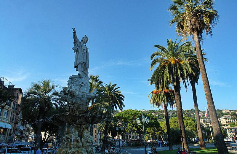 Een oude sculptuur in Santa Margherita Ligure