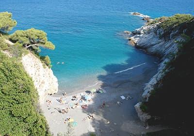 Strand in Bergeggi, Ligurie