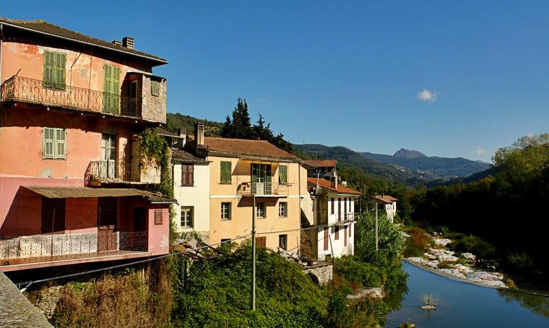 Uitzicht vanaf een vakantiebestemming Vessalico